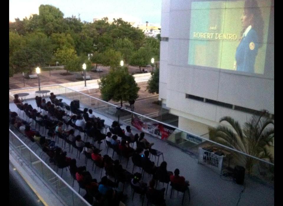 Le n guanajuato jueves 17 de mayo 2018 instituto cultural for Cine las terrazas